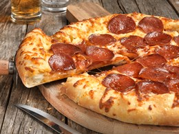 Chicago Town Takeaway Loaded Pepperoni Dr Oetker Professional